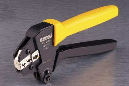 Інструмент для обпресовування наконечників і конекторів з ізоляцією