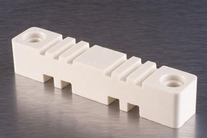 Ізолятори плоскі для кріплення струмопровідних шин